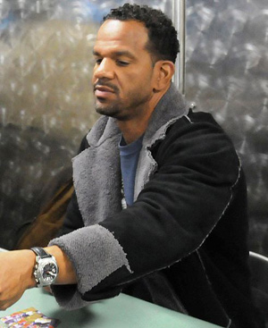 Hire Andre Reed for an event.