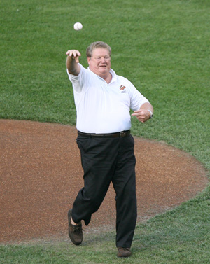 Hire Boog Powell for an event.